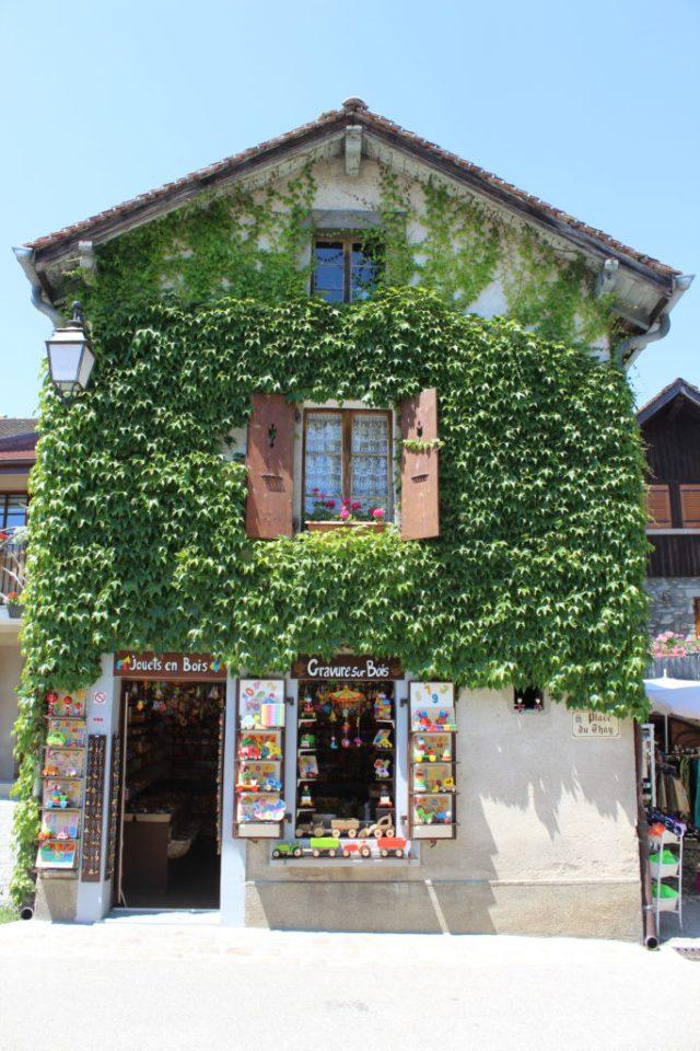 Artisan shops in Yvoire France