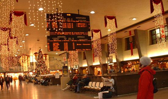 (Cette photo de Florence à été prise à la Gare Centrale de Montréal durant Noël 2001)