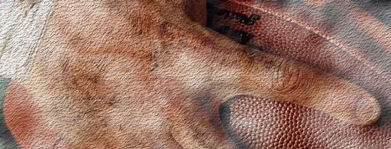 Mise au jeu: un ballon entre les mains du destin