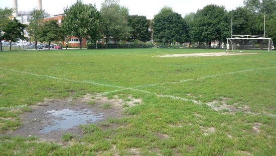 terrain de soccer au parc Laurier