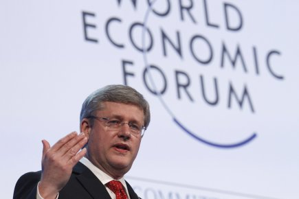 Harper évoque des changements aux retraites et à l'immigration à Davos