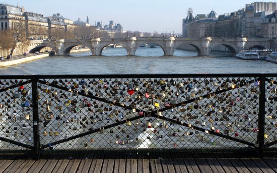 cadenas sur le Pont des Arts