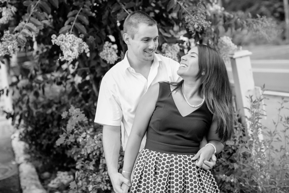 32A-Downtown-Clifton-Virginia-Engagement-Session-3088