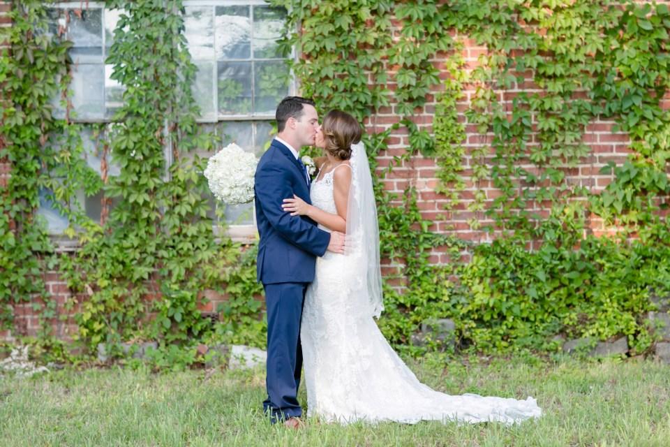 20A-Inn-At-The-Olde-Silk-Mill-Wedding-Summer-Anna-Ian-1108