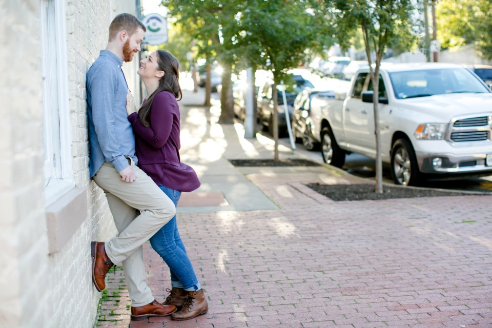 1downtown-fredericksburg-virginia-engagement-session-sarah-and-russell-1005
