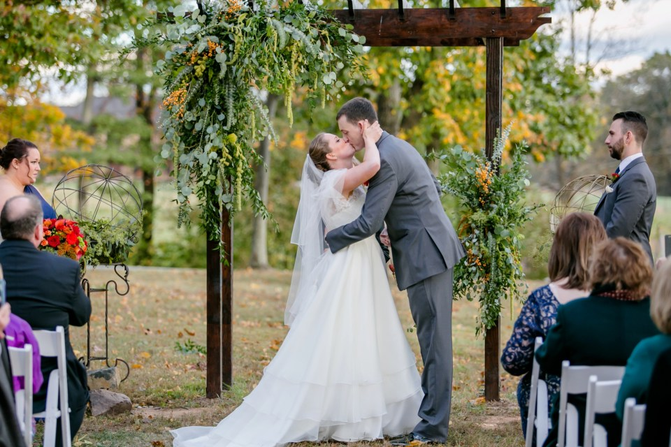 16a-harvest-house-at-lost-creek-fall-wedding-leesburg-virginia-adam-melissa-215