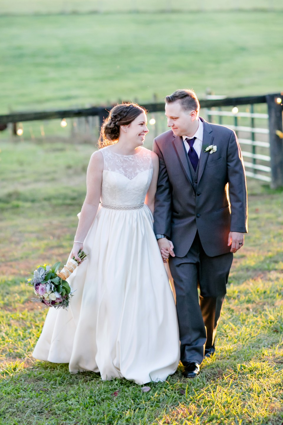 29a-oak-creek-farm-wedding-virginia-photographer-brittany-josh-1153