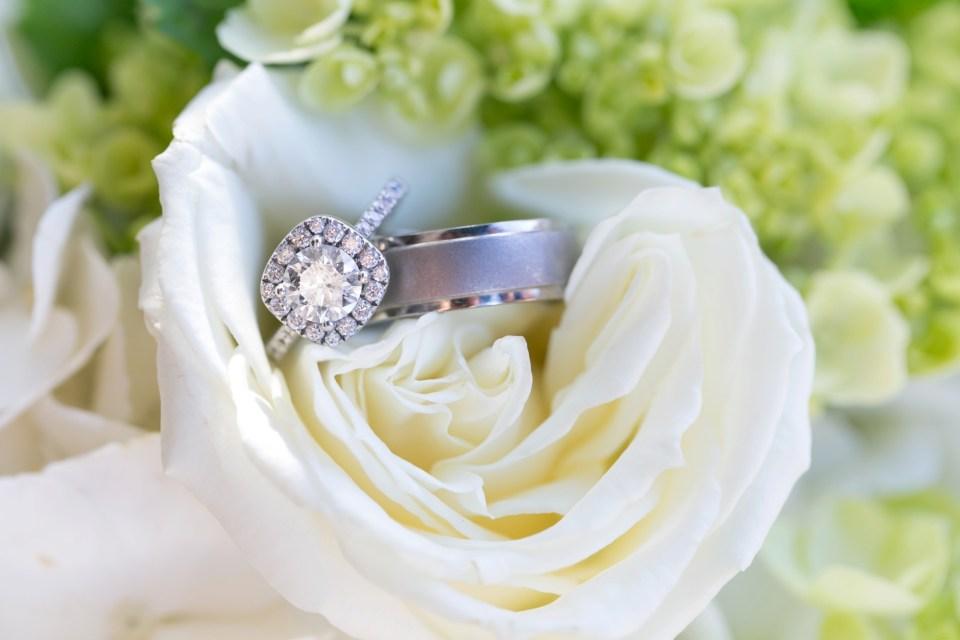 1-a-inn-at-the-olde-silk-mill-wedding-fall-ashlee-stephen-carley-rehberg-photography-1005
