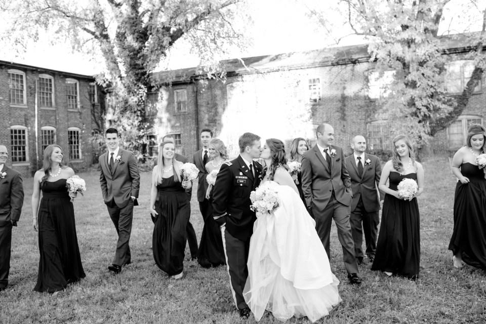 31-a-inn-at-the-olde-silk-mill-wedding-fall-ashlee-stephen-carley-rehberg-photography-1122
