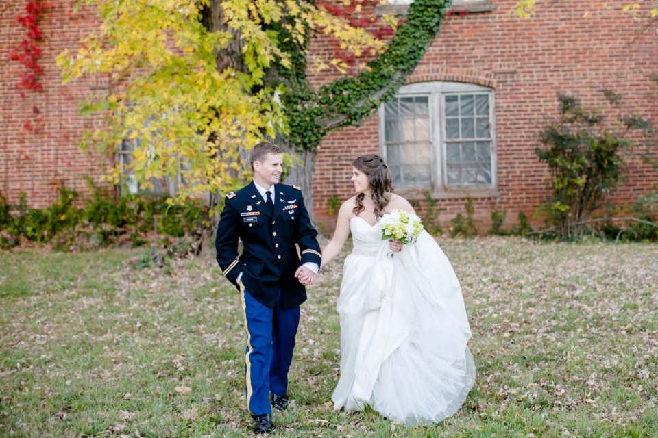 35-a-inn-at-the-olde-silk-mill-wedding-fall-ashlee-stephen-carley-rehberg-photography-1138