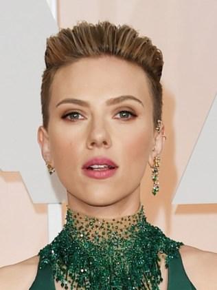 Scarlett Johansson-oscars-2015-academy-awards2