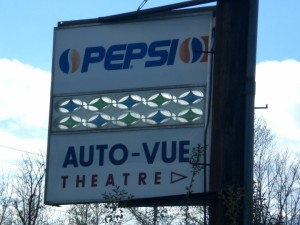 Auto-Vue Drive-In sign