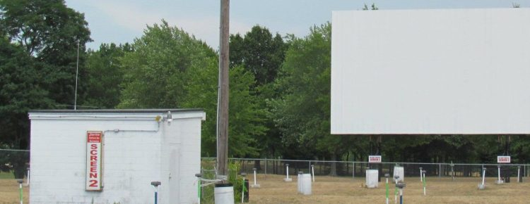Tri-Way screen 2 projection booth and screen