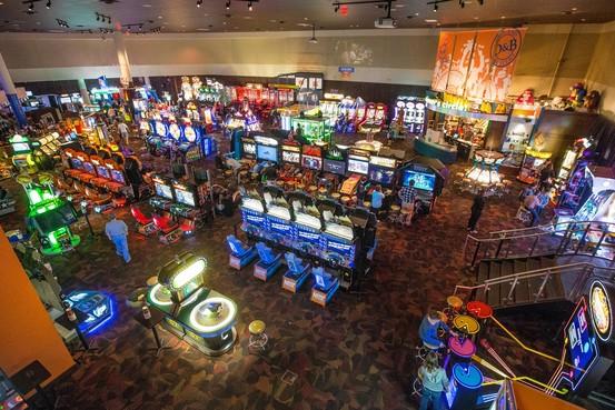 Dave Buster S Arcade Coming To Brandon Carlos Eats