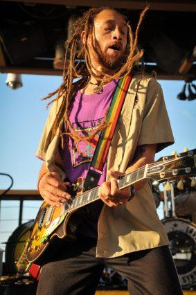 Carlos_Jones_Rocking_Guitar(4)