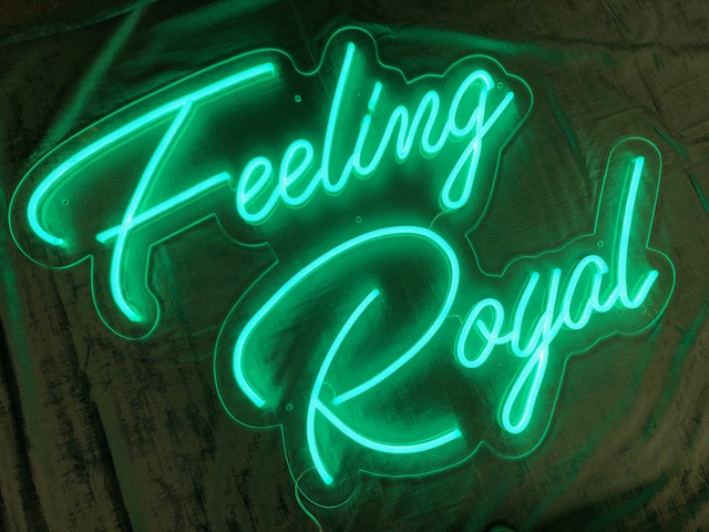 LED Neon skilt - Feeling Royal