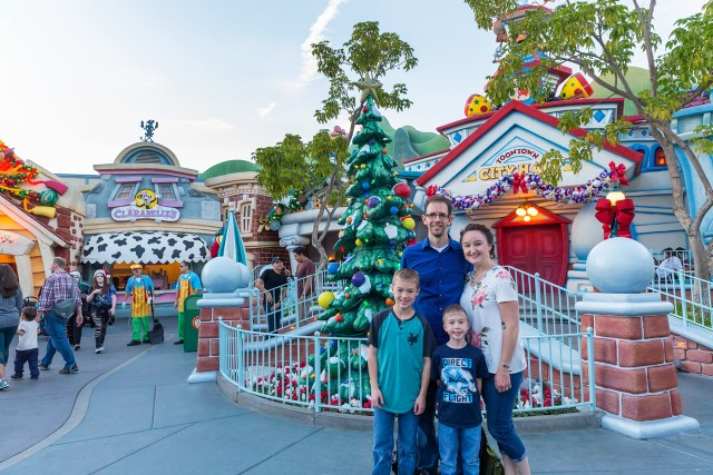 Tips for a Magical Christmas in Disneyland Carltonaut's Travel Tips