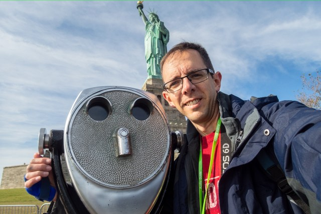 Statue of Liberty selfie Carltonaut's Travel Tips