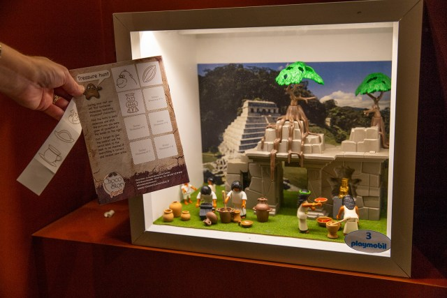 Find the Playmobile scenes and win a prize at Choco Story Paris Carltonaut's Travel Tips