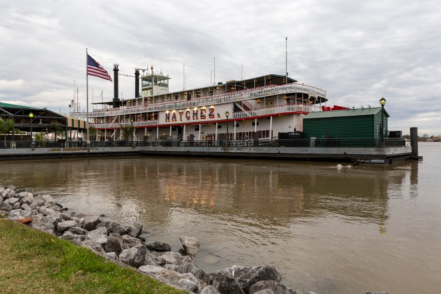 Ride the Natchez Steamboat up the Mississippi River in New Orleans Carltonaut's Travel Tips