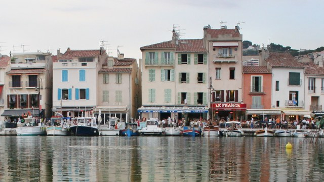 Relax in Cassis France and do some shopping Carltonaut's Travel Tips