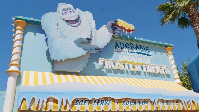 Enjoy a snow-cone at the Adorable Snowman Frosted Treats in Disneyland's California Adventure Carltonaut's Travel Tips