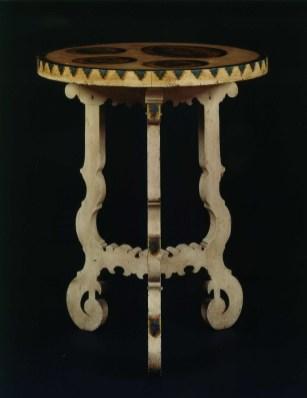 9303 oval peinte table