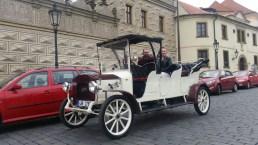 Prague Old Car, Car