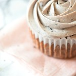 Oreo Cupcakes with Oreo Buttercream. Super easy recipe to make at home the best cupcakes EVER