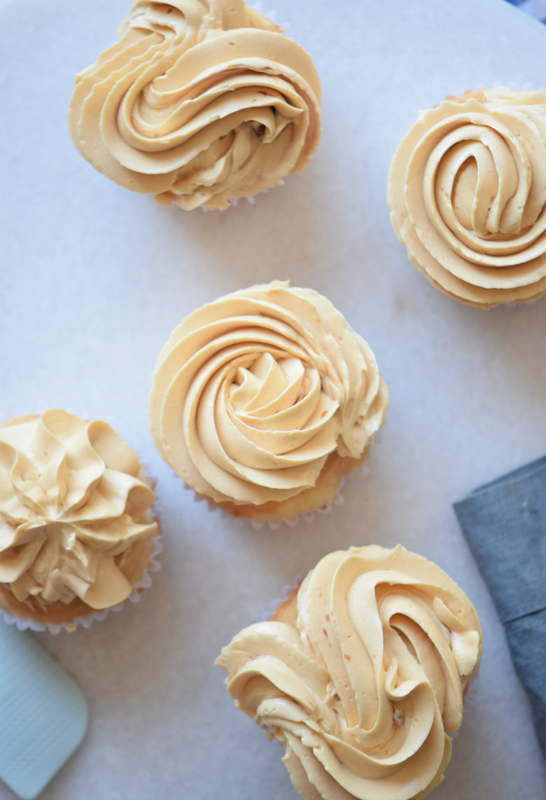 Salted Caramel Frosting Recipe. This Salted Caramel Frosting is really creamy and fluffy and so delicious! Pin and save for later.