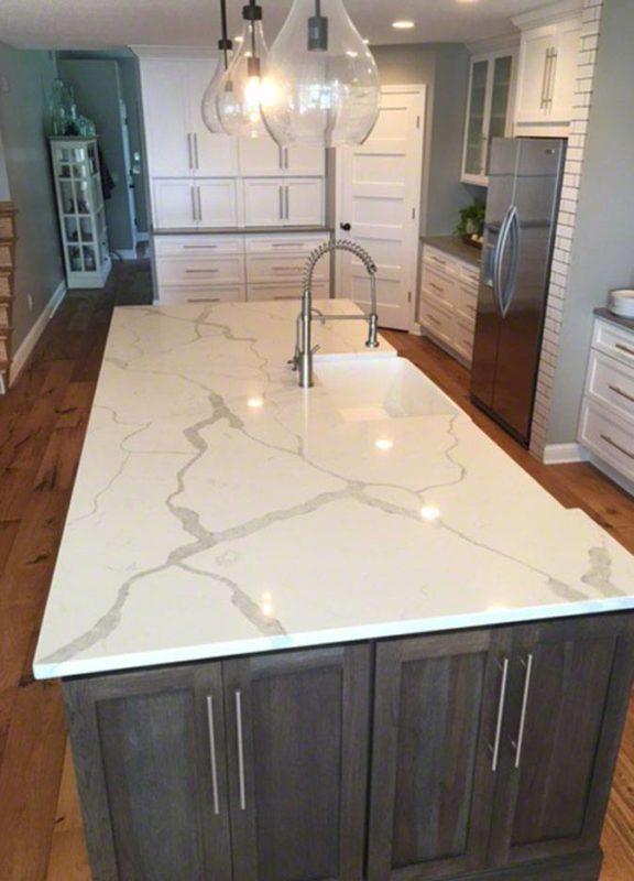decorative tiles for kitchen fisher price kitchens white marble quartz island ...