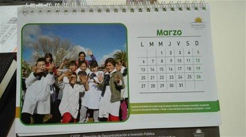 Alumnos de la Escuela 32 de Ombúes de Lavalle aparecen en el almanaque oficial de marzo de Presidencia - Carmelo Portal