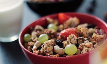 Granola-food-fruits-cereals-breakfast