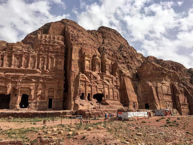 Petra: 7 cosas que debes saber antes de que viajes a esta maravilla del mundo.