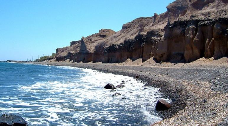 Santorini Beaches - Vouyrvoulos Beach