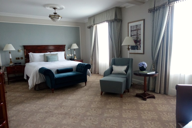 The Shelbourne Dublin - Heritage Park View Room with king size bed