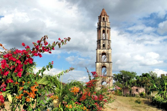 Iznaga Tower offers a spectacular view of the fields of Cuba from the top - Trinidad (Photo Credit: infotravel.com)