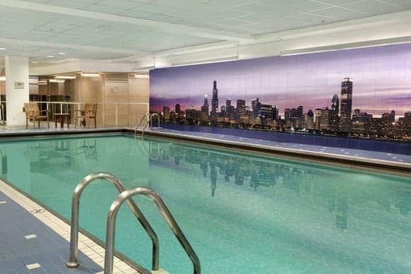 Swissotel Chicago Indoor Swimming Pool (Image: Swissotel)