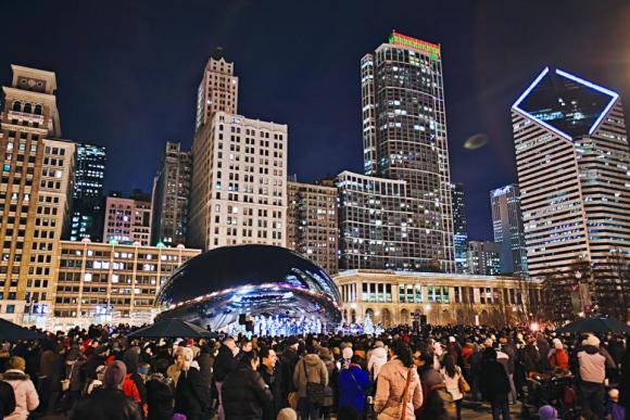 Caroling at Cloud Gate Millennium Park's (Image City of Chicago)