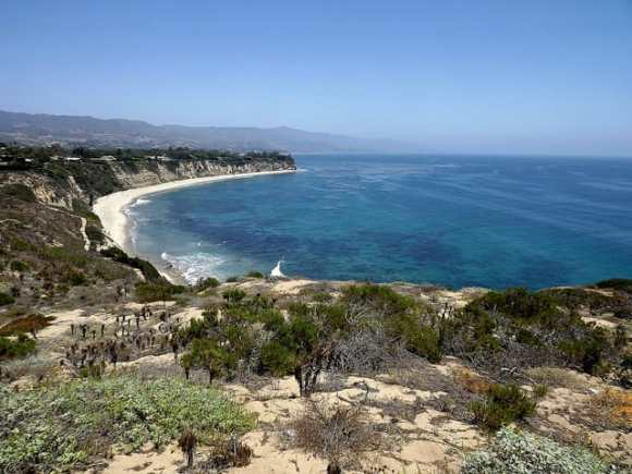 Point Dume State Beach (Photo: Flickr H Willome)