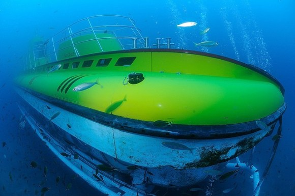 Lanzarote Submarine Safaris (Flickr: Tony Gilbert)