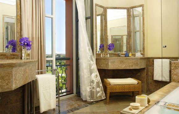 Deluxe Room Bathroom - Image Villa Padierna Hotel Palace