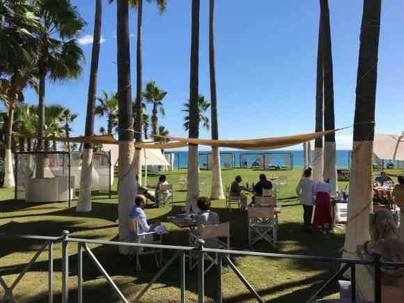 Club de Mar Restaurant outdoor seating - Villa Padierna Palace Hotel
