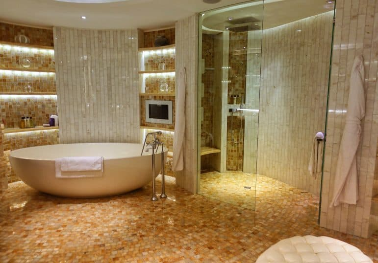 The Master Bathroom - Royal Penthouse Corinthia Hotel London