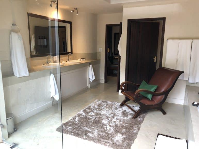 Sabi Sabi Bush Lounge Bathroom