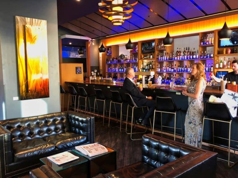 Eclipse Restaurant - Moonrise Hotel St. Louis