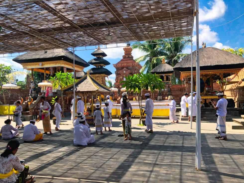 Petitenget Temple Seminyak Bali Service