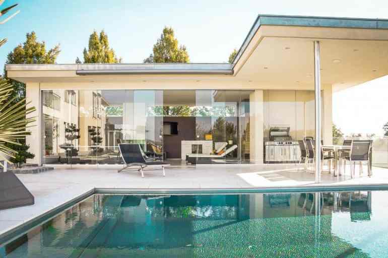 The Best Airbnb Alternatives: 6 Luxury Vacation Rental Websites