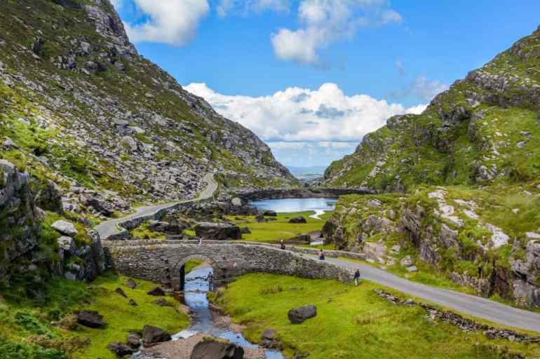 Unmissable Irish Getaways For Your Next Romantic Road Trip