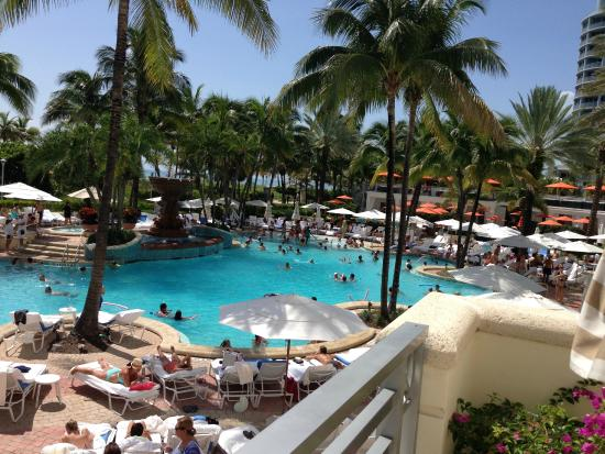 what are pool chairs made out of oak adirondack loews miami beach girls weekend - carmen edelson luxury travel blogger